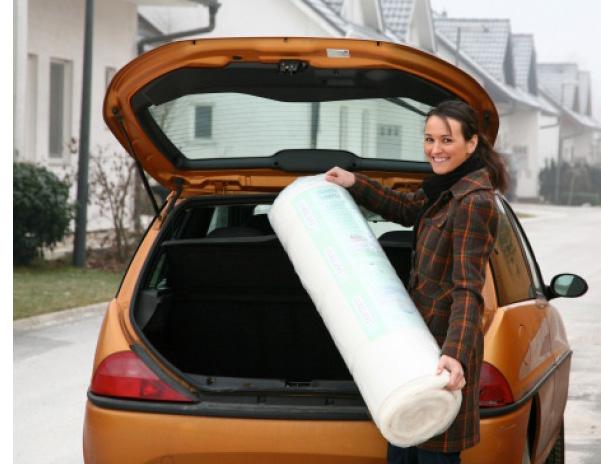 Перевозка скрученного матраса из полиуретана
